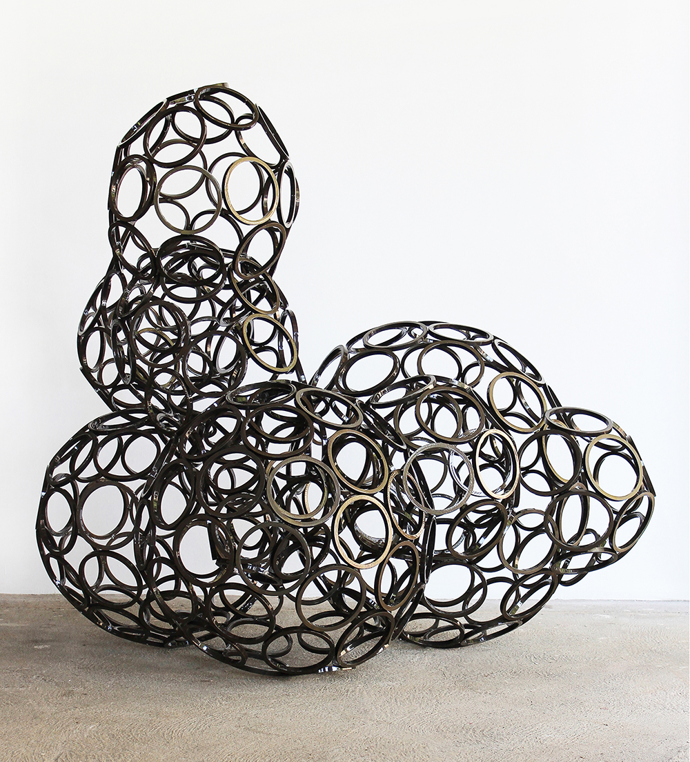 Hybride #37, 2012, steel / powdercoating,149 x 161 x 121 cm